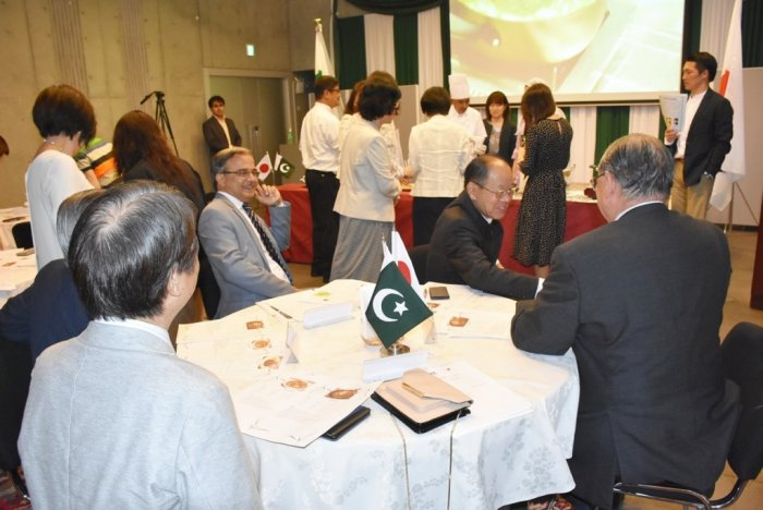 Organized a Pakistani Food Cooking Workshop at the Embassy with International Friendship Exchange Council (FEC). FEC members led by President Matsuzawa and Amb Yushita enjoyed cooking & eating Pakistani food.