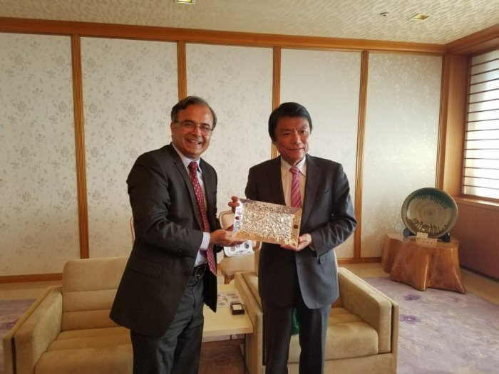 Ambassador Asad M. Khan called on the Governor of Fukuoka Prefecture H.E. Mr. Hiroshi Ogawa at Fukuoka.